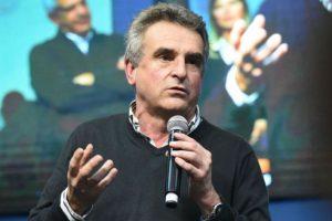 Agustín Rossi propuso un «indulto generalizado» para los votantes de Macri y salieron a cruzarlo