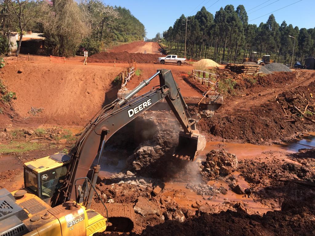 Avanzan las obras del nuevo acceso a colonia Guaraypo