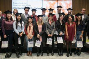 Banco Galicia continúa apoyando la formación universitaria de jóvenes de todo el país