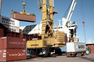 Superávit comercial pero no por avance exportador