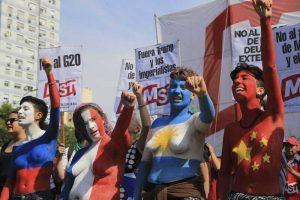 Masiva marcha contra el G-20 en medio de un gran operativo policial