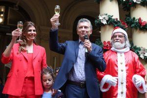 Regalo de fin de año: Macri les aumentó el sueldo a sus funcionarios