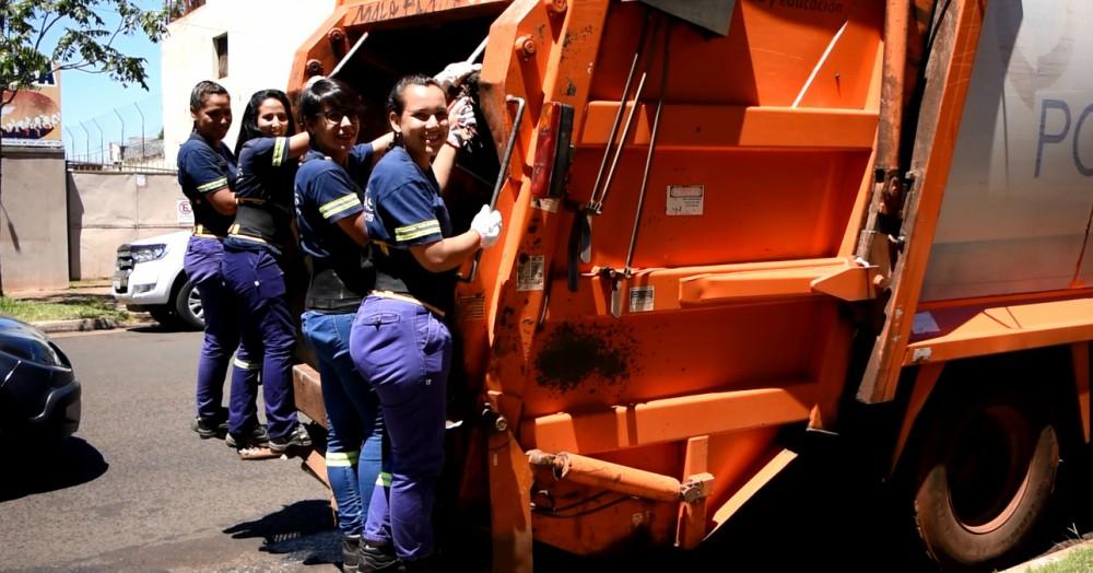 """Mujeres a cargo de la recolección de residuos en Posadas: """"Estamos contentas de poder romper esquemas"""""""