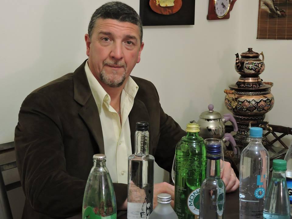 El hombre que más sabe de aguas minerales: «Misiones está trabajando muy bien y logró meterse en un mercado muy competitivo»