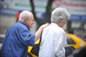 Un informe muestra como cayó el poder adquisitivo de los jubilados en el 2018