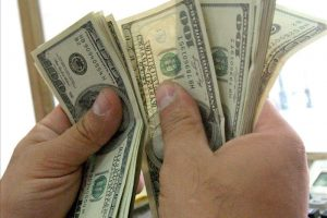 El dólar sube, los precios suben; el dólar baja, los precios bajan (ah no pará…….)