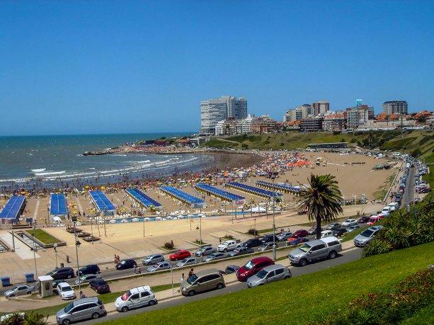 Mientras que Cataratas crece, en Mar del Plata hubo 32 mil turistas menos en lo que va de la temporada