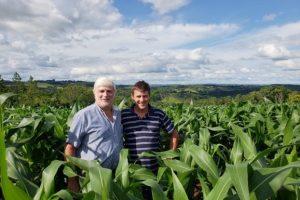 Presidente de Maizar vino a inspeccionar la tierra misionera que sería usada para el maíz transgénico