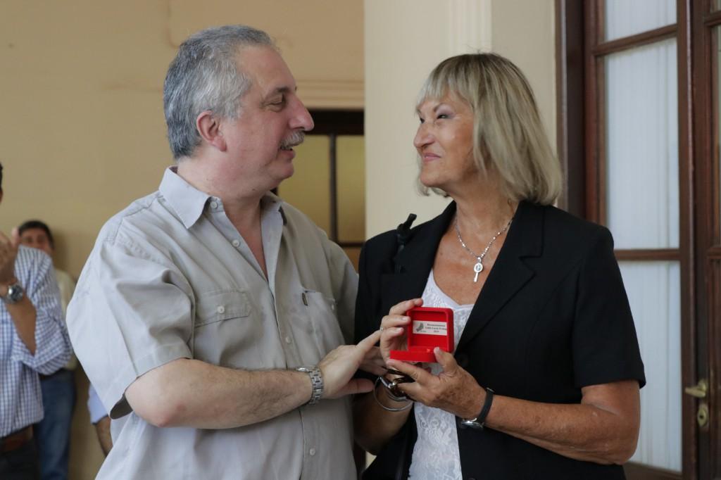Passalacque entregó medallas por 25 años de servicio en la Administración Pública