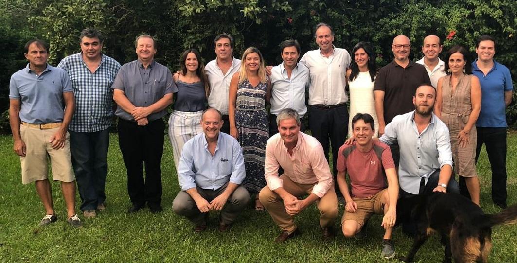 Schiavoni se reunió con el equipo técnico de la fundación Pensar que le acercó ideas de gobierno