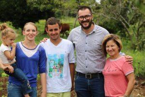 Agricultura Familiar busca mejorar la producción de alimentos en 25 de Mayo y Bernardo de Irigoyen