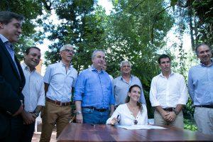La Nación promete desembolsar 500 millones para activar la construcción de viviendas de madera