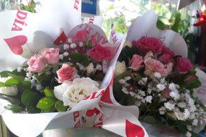 ¿Ya elegiste el regalo de San Valentín? Un ramo de rosas a más de 900 pesos o 12 horas de motel a 2500 pesos