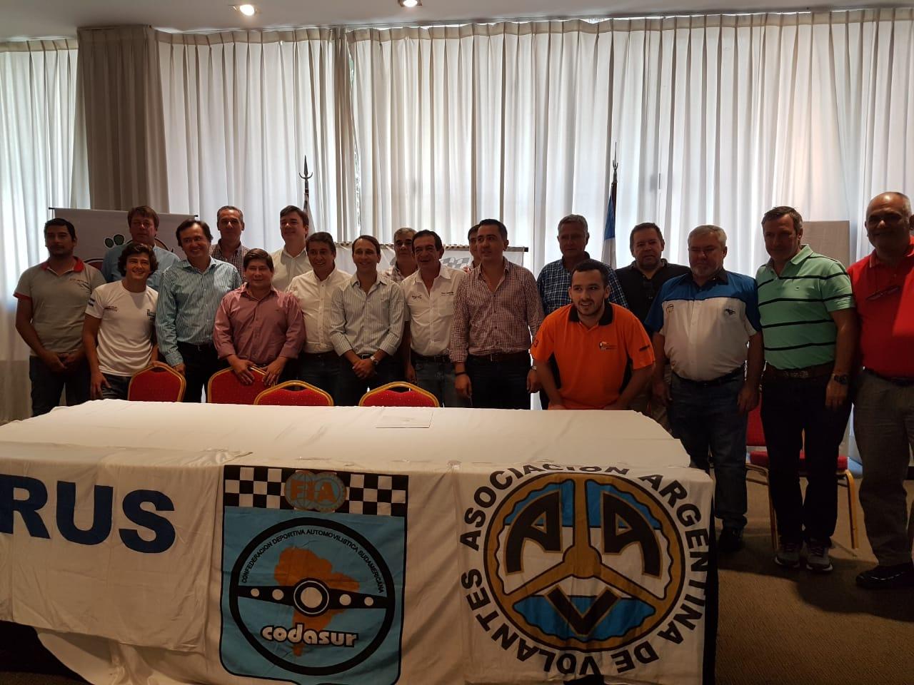El Sudamerico de Rally calienta motores en la Tierra Colorada