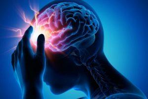 ACV: Dificultad para tragar aumenta riesgo de neumonía y de mortalidad