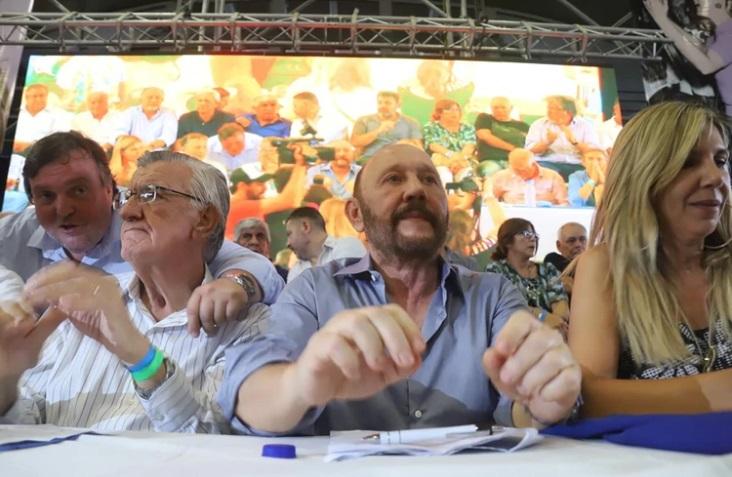El PJ llamó a conformar un Frente Patriótico, incluyendo al kirchnerismo y a Massa