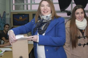 Tierra del Fuego, Bertone también desdobla y van a las urnas el 16 de junio