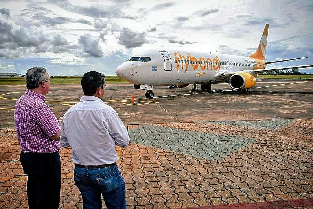 Arrúa destacó el vuelo del FlyBondi entre Iguazú y Rosario porque «fortalece el turismo nacional»