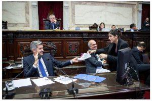 """Cristina Britez a Marcos Peña: """"con el alma y el espíritu no se pagan las cuentas"""""""