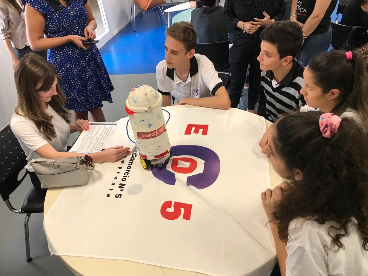 Capacitaron a docentes para el uso de herramientas robóticas en el aula
