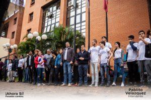 Pablito Velázquez cerró la campaña con un abrazo simbólico a la Municipalidad