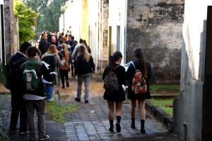 Invitan a escuelas secundarias a participar de los recorridos guiados por el cementerio «La Piedad»