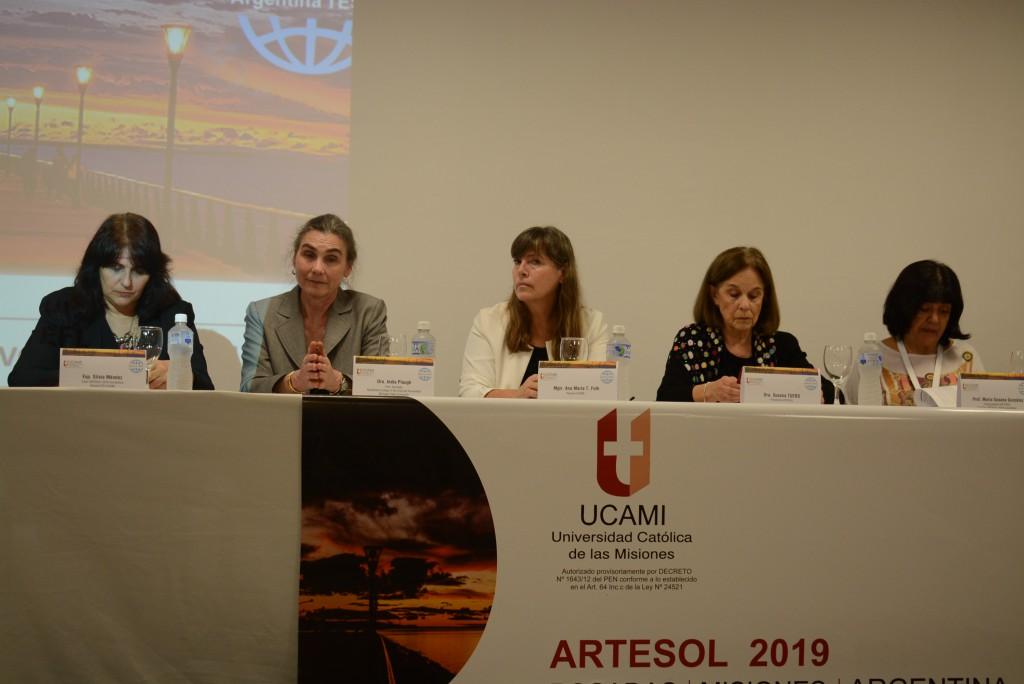 En la UCAMI se realiza una convención Internacional de Profesores de Inglés
