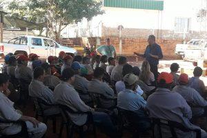 Jeleñ anunció un aumento salarial para los municipales