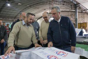 Passalacqua visitó en Puerto Rico la recuperada fabrica de bolsas de papel kraft «Ex Arminda»