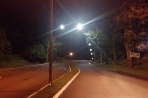 Las luminarias LED ya reemplazan a los viejos focos en Cerro Azul
