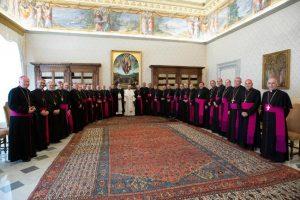 El Papa recibió a los obispos y les pidió que ayuden al encuentro de los argentinos