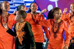 Abre el telón Iguazú en Concierto, el espectáculo de coros y orquestas infanto – juveniles más imponente del mundo