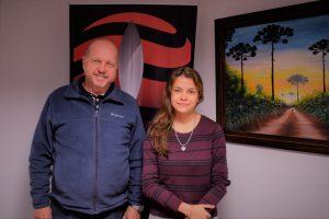 Wilfredo y Evelin Glesmann, dos generaciones que venden madera misionera al mundo desde hace 21 años