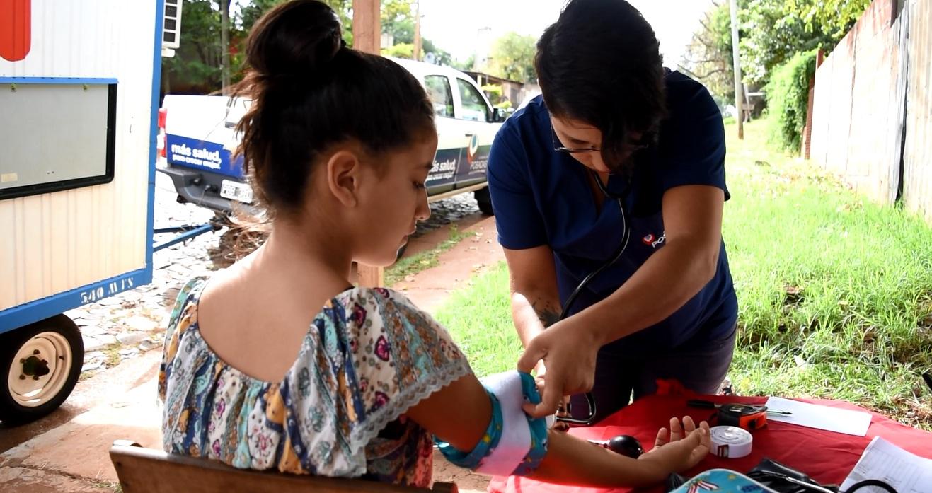 Consultorio móvil: más de 4.000 personas accedieron a prestaciones médicas en los barrios este año