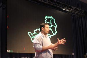 TedxYouth: «Una pregunta que me incomodó, fue el impulso para pensar una solución», dijo Matías Sebely