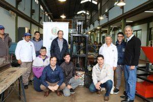 Alumnos de la EPET N°3 construyeron una compactadora de basura para la comuna de Oberá