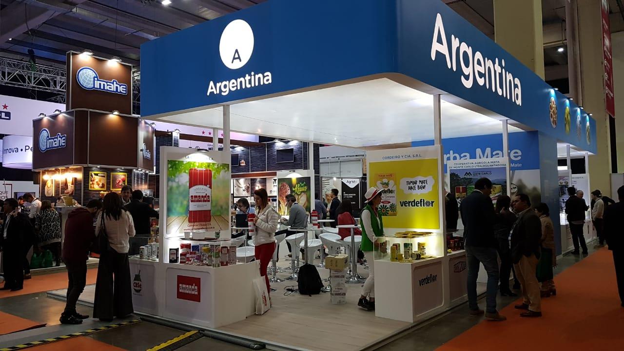 El INYM y diez yerbateras buscan sumar consumidores en Chile