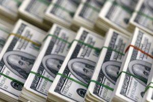 El dólar cierra otra semana a la baja y el BCRA compró más de u$s 1.500 millones desde la implementación del cepo hard