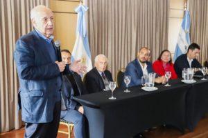 Lavagna: «Tenemos que animarnos a hacer políticas económicas específicas para el interior de país»