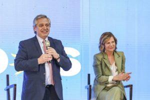 Alberto Fernández: «El domingo vamos a dar vuelta esta página negra que empezó en 2015»