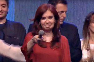 ¿Más cepo o default? CFK le pidió medidas a Macri para «aligerar la situación dramática en las finanzas del país»