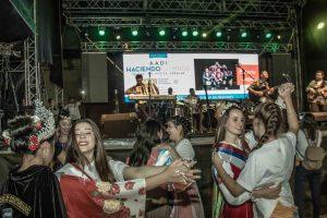 La Fiestas de Las Raíces de Jardín América se despidió a pura samba