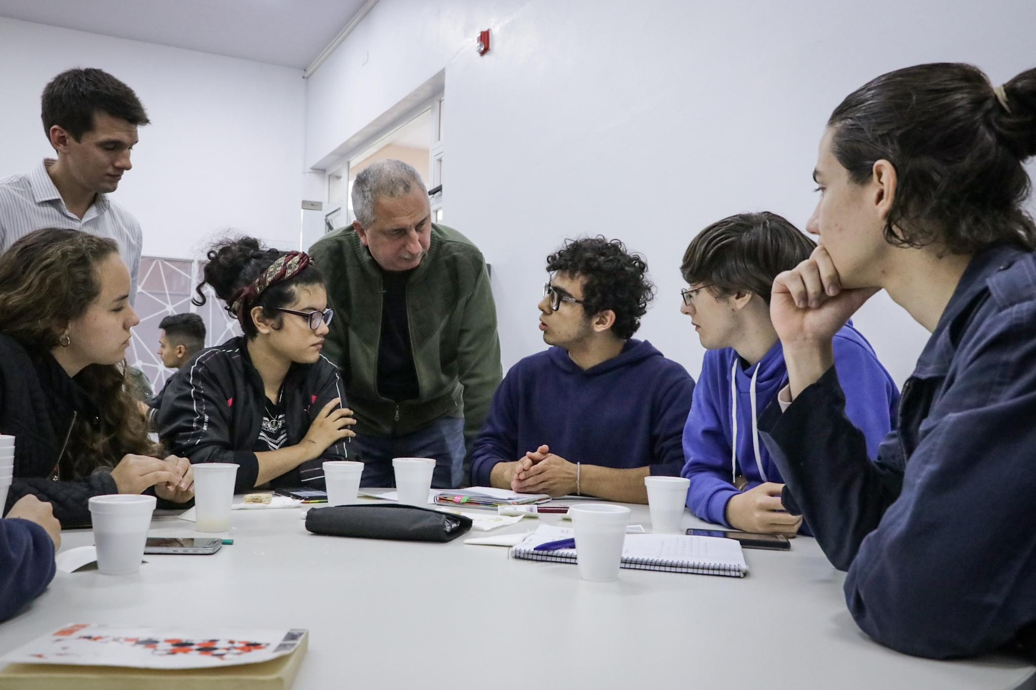 Passalacqua visitó el Polo Tic y dialogó con participantes del Hackatón