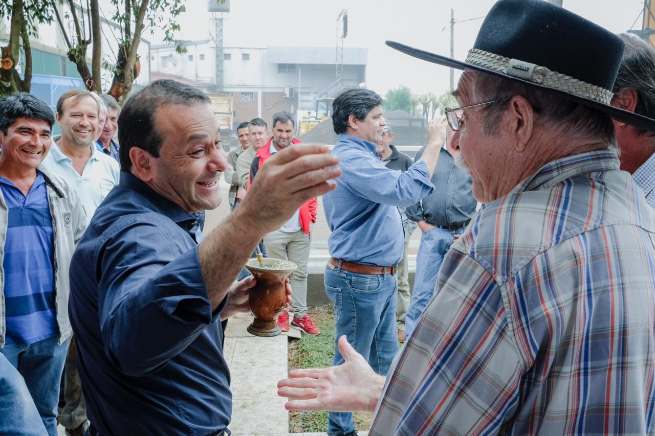 Herrera Ahuad acompañó la inauguración de la sede de APTM en Dos de Mayo