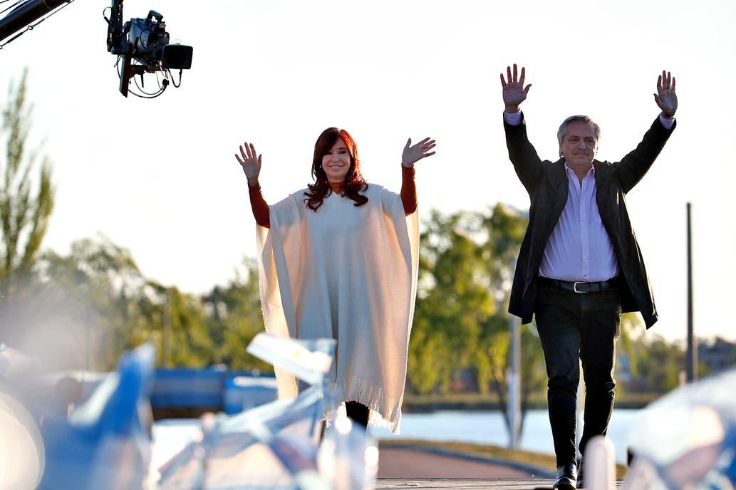Alberto Fernández, en el Día de la Lealtad con Cristina Kirchner: «Estamos volviendo, necesitamos que la Argentina deje de caerse»