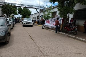 Después de 12 horas y por orden nacional, Massalin volvió a abrir sus puertas en Corrientes
