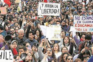 Un millón de personas piden la renuncia de Piñera en Chile