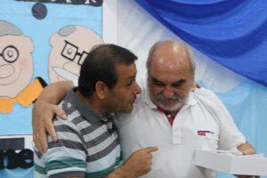 Herrera Ahuad entregó tablets a 250 abuelos de El Soberbio