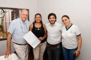 EBY y AABE firman escrituras de viviendas en San Isidro
