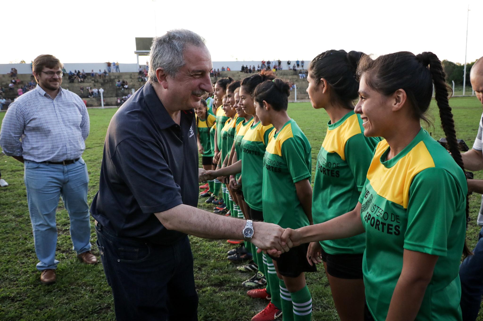 """En San José, Passalacqua inauguró la cancha de fútbol y tribunas """"Pedro Obdulio Santa Clara"""""""
